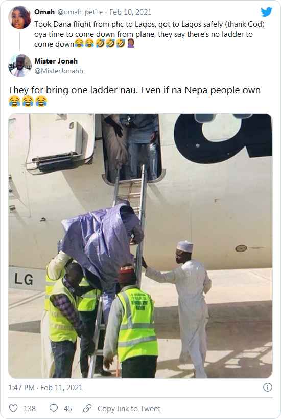 Confusion As Airline Announces There's No Ladder For Passengers To Alight At Lagos Airport 6