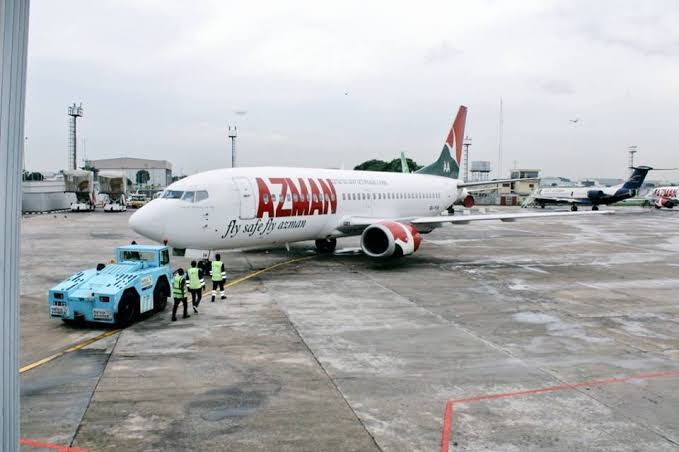 FAAN Shuts Down Lagos Airport After Azman Aircraft Suffered Burst Tyre While Landing 1