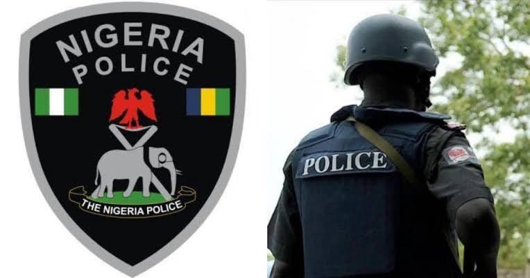 Four Policemen Killed As Gunmen Attacks Anambra Police Stations, Burn Vehicles 1