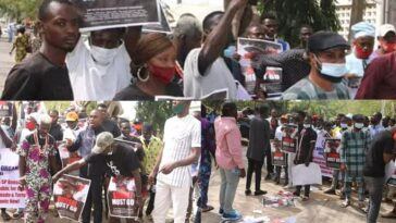 Northern Youths Storms Streets Of Abuja To Demand Buhari's Resignation [Photos/Video] 11