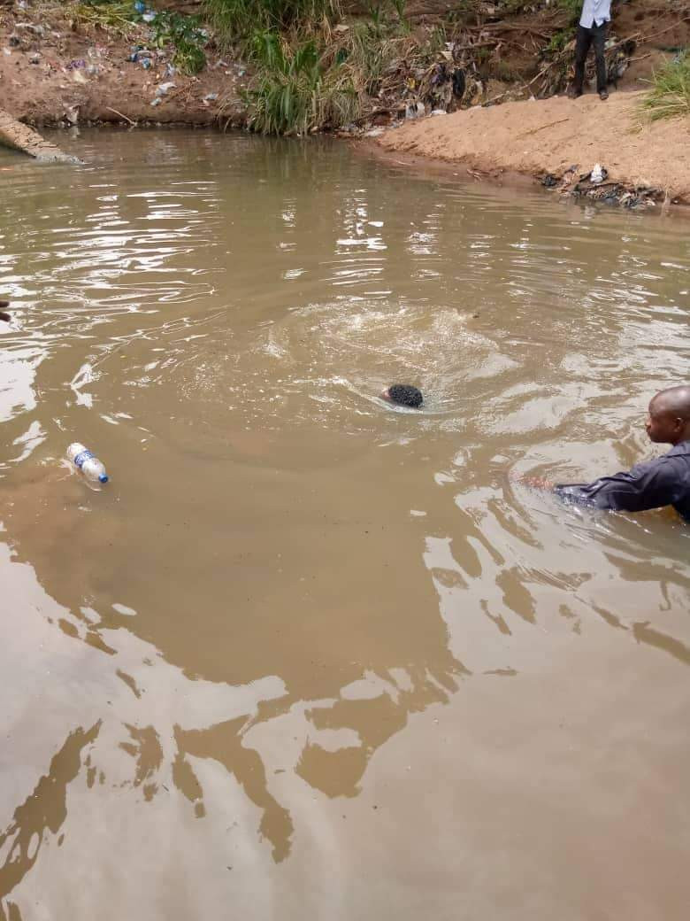 12-Year-Old SchoolBoy Drowns To Death While Swimming With Friends In Ilorin River [Photos] 3