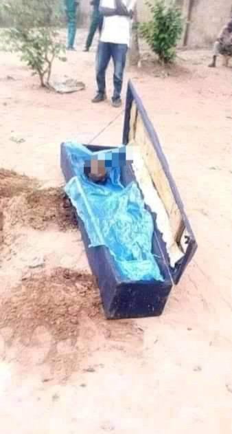 Man Kills His Mom, Cuts Off Her Head And Buries Her In Shallow Grave In Enugu [Photos] 3