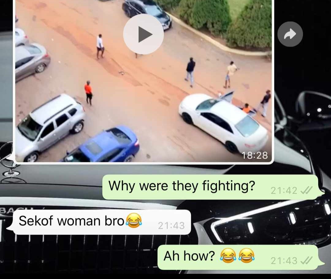 Two University Students Caught On Camera Fighting Publicly Over A Girl In Ghana [Video] 2