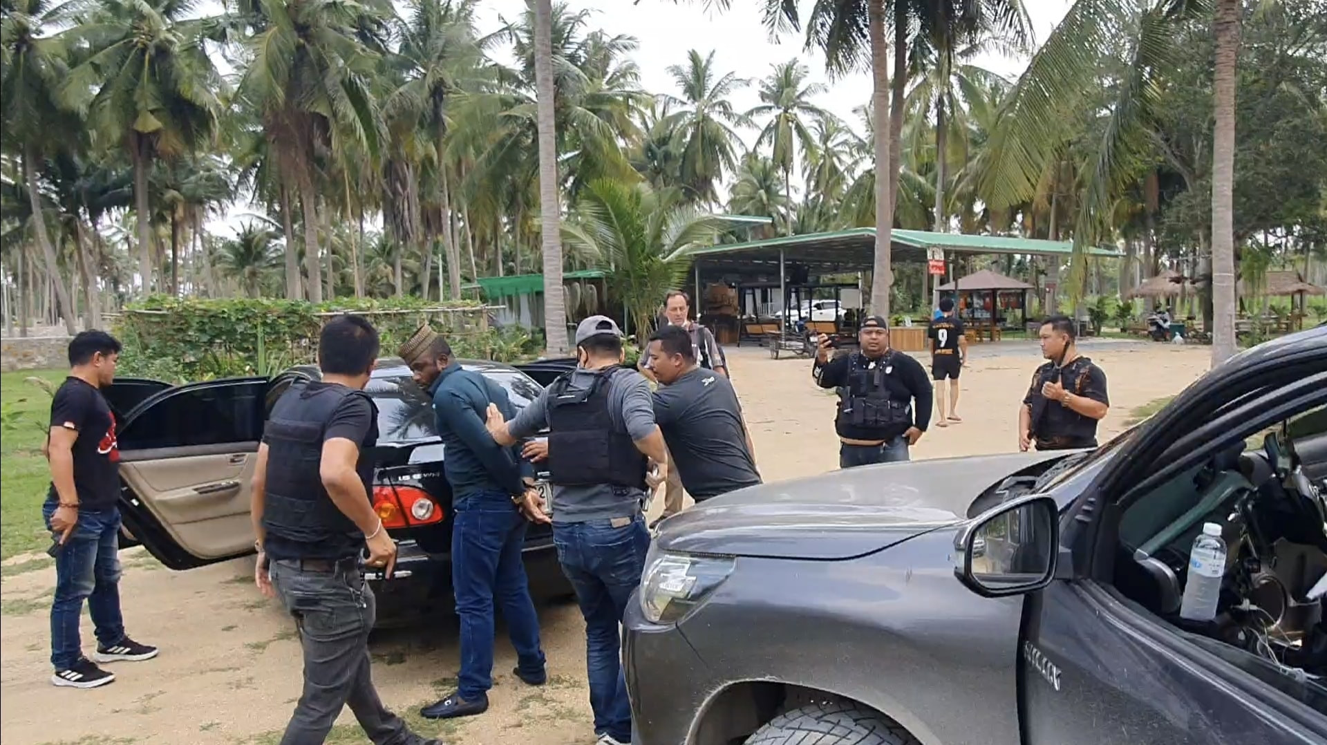 Nigerian Man And His Girlfriend Arrested In Thailand For Allegedly Peddling Cocaine [Photos] 5