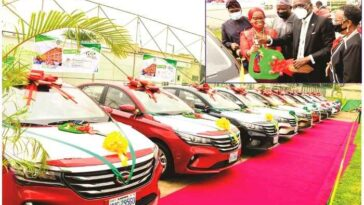 Governor Sanwo-Olu Presents Cars To 13 Outstanding Teachers In Lagos [Photos] 4