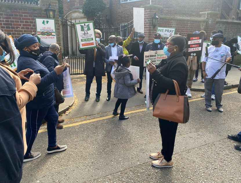 President Buhari's Supporters Hold Prayers For Him At Nigeria House In London [Photos] 4