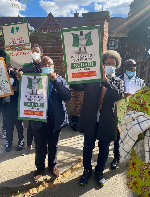 President Buhari's Supporters Hold Prayers For Him At Nigeria House In London [Photos] 3