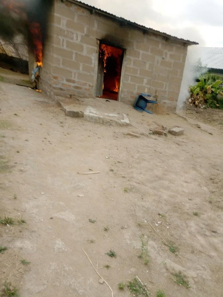 Woman Sets Her Boyfriend's House On Fire Over A LIttle Misunderstanding In Benue [Photos] 7