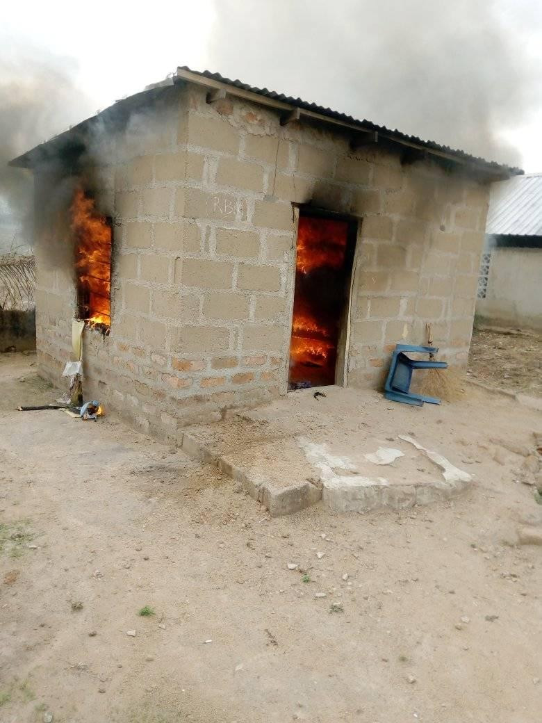 Woman Sets Her Boyfriend's House On Fire Over A LIttle Misunderstanding In Benue [Photos] 6
