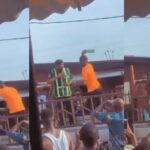 Angry Driver Breaks Bottle On Policeman's Head For Trying To Impound His Car In Lagos [Video] 27