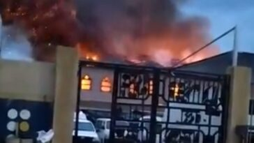 Worshippers Reportedly Trapped As RCCG Redeemed Church Catches Fire In Lagos [Video] 8