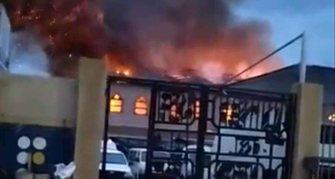 Worshippers Reportedly Trapped As RCCG Redeemed Church Catches Fire In Lagos [Video] 1