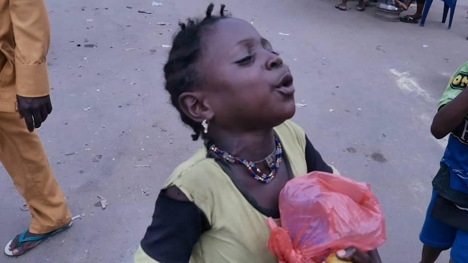 Adamazi Foundation: Blogger Adamazi Mbonu feeds the street to celebrate birthday - PHOTOS 16