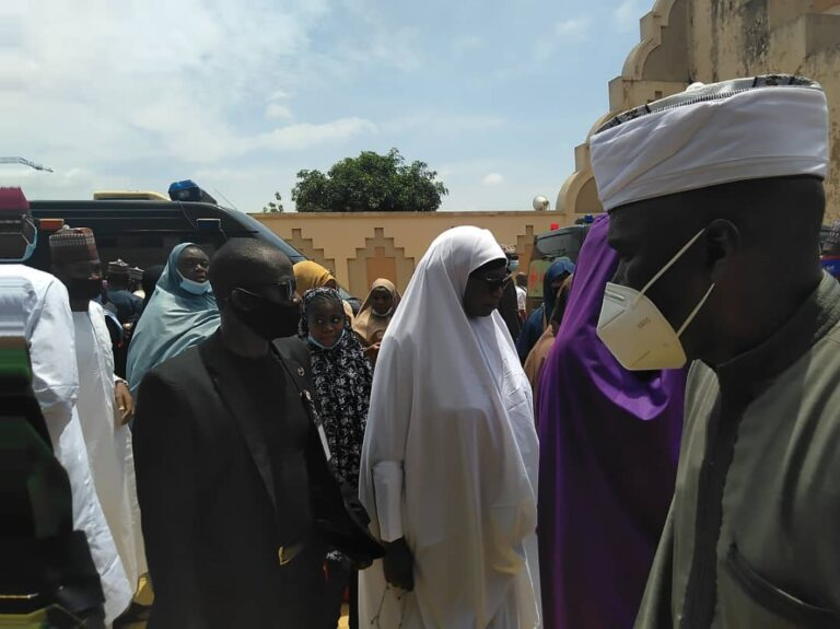 Funeral Of Late Chief Of Army Staff And Others At National Mosque In Abuja [Photos] 2