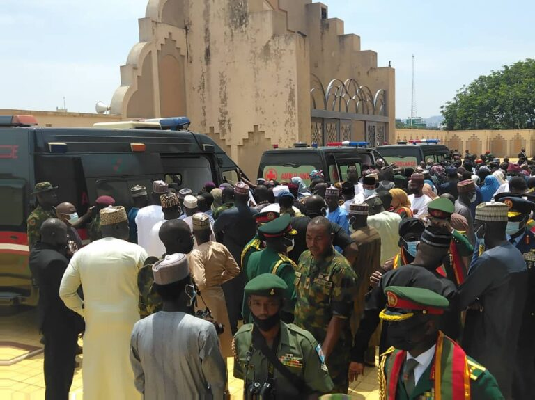 Funeral Of Late Chief Of Army Staff And Others At National Mosque In Abuja [Photos] 5