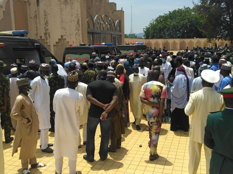 Funeral Of Late Chief Of Army Staff And Others At National Mosque In Abuja [Photos] 6