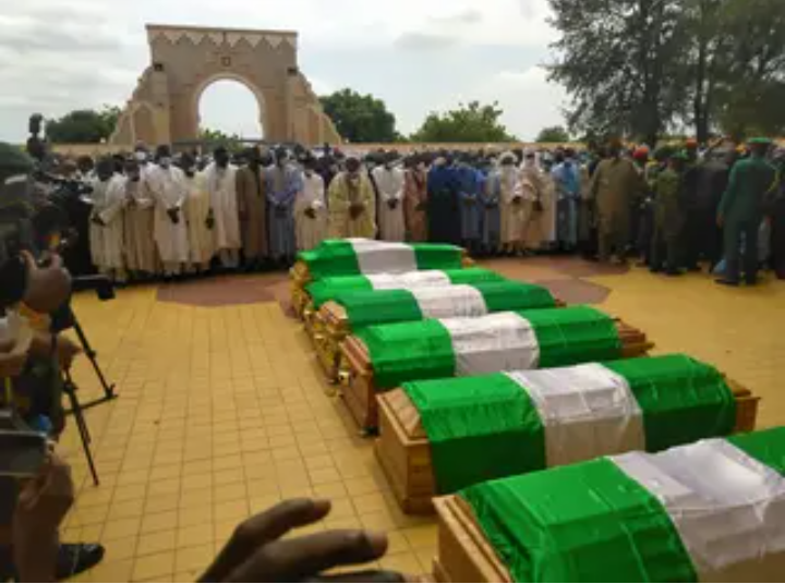 Funeral Of Late Chief Of Army Staff And Others At National Mosque In Abuja [Photos] 1