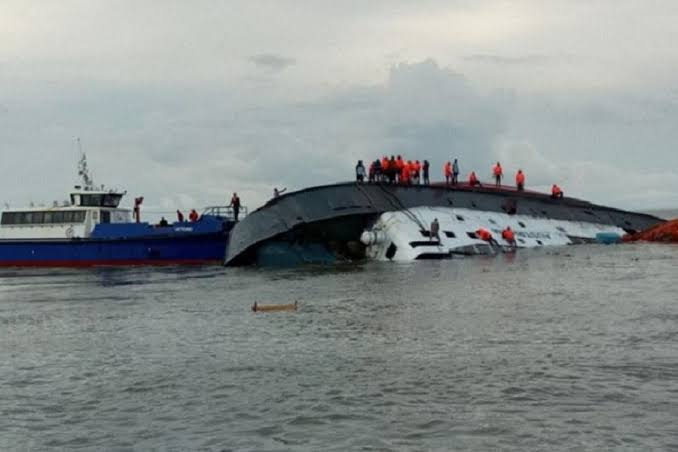 Hundreds Of People Feared Dead As Boat Carrying 160 Passengers Capsize In River Niger 1