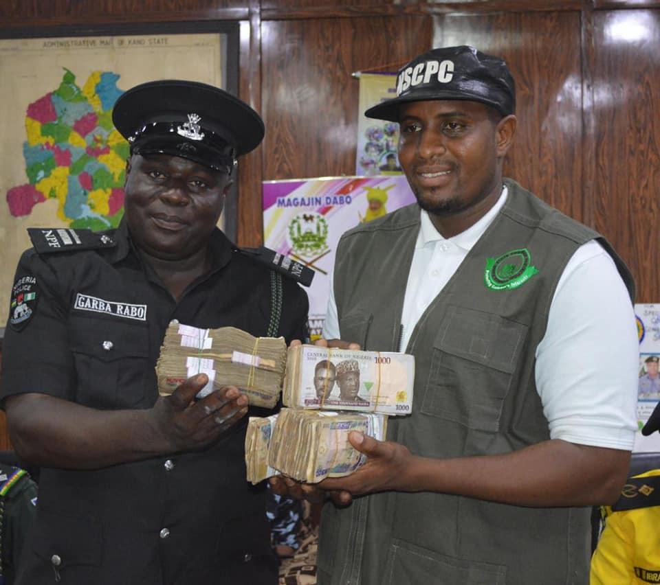 Police Officers Gets N1m Reward After Rejecting Bribe From Fake Drug Dealers In Kano 4