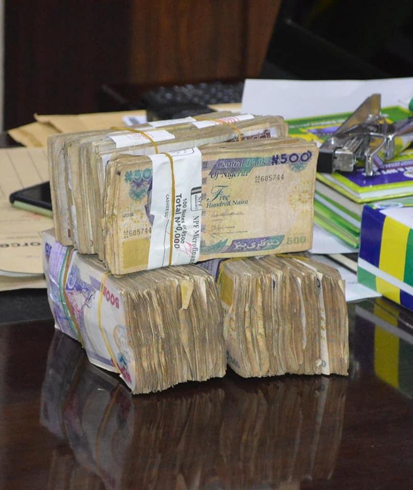 Police Officers Gets N1m Reward After Rejecting Bribe From Fake Drug Dealers In Kano 2