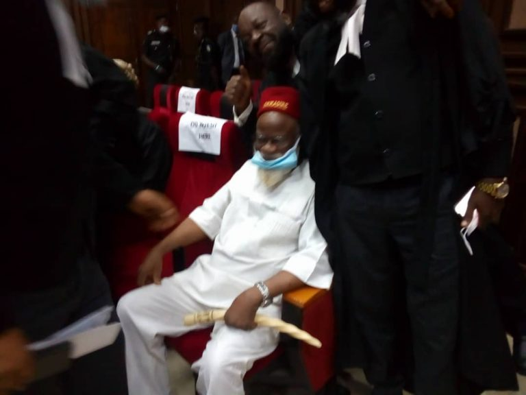 Anambra Ex-Governor Storms Abuja High Court For Nnamdi Kanu's Trial [Photos] 1