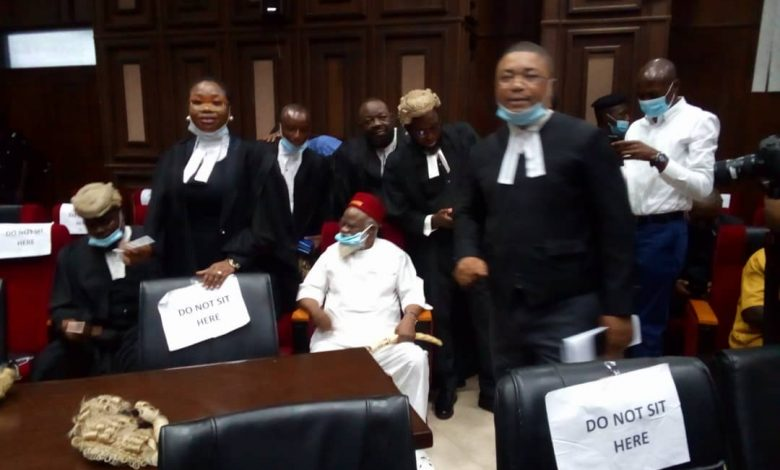 Anambra Ex-Governor Storms Abuja High Court For Nnamdi Kanu's Trial [Photos] 3