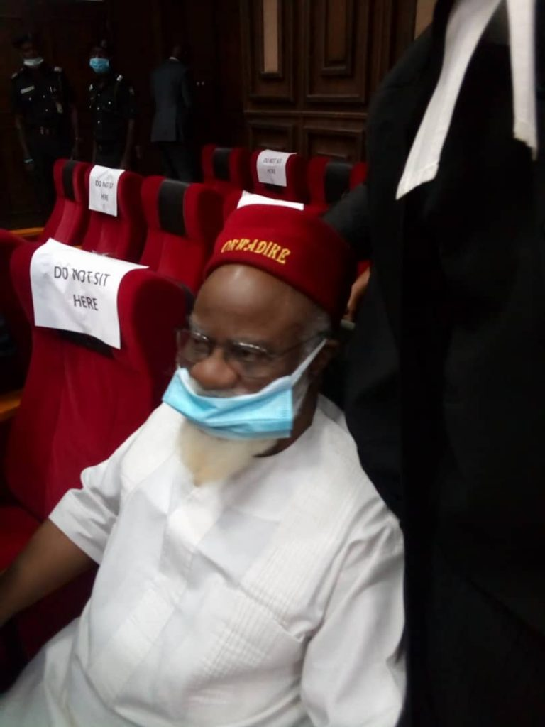 Anambra Ex-Governor Storms Abuja High Court For Nnamdi Kanu's Trial [Photos] 4