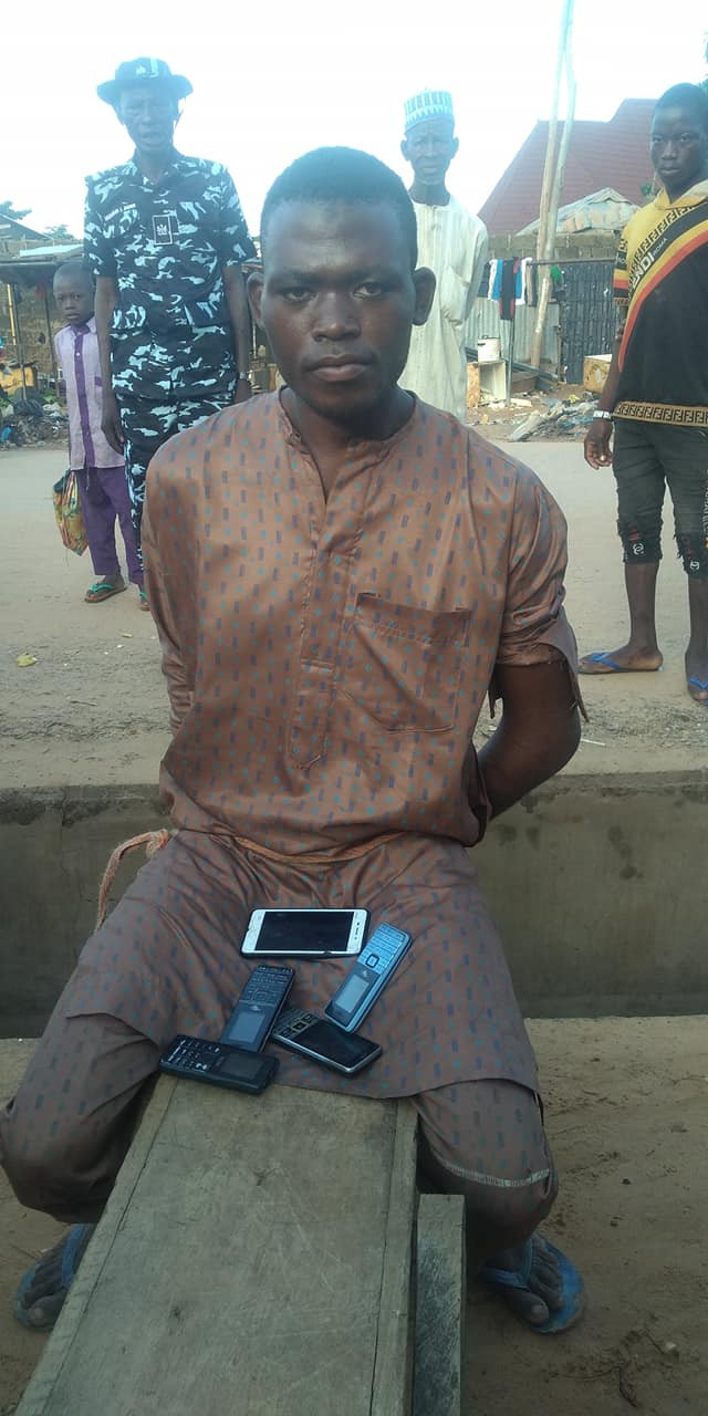 Phone Thief Caught After He Fell Asleep While Robbing A Kebbi Mosque [Photos] 2