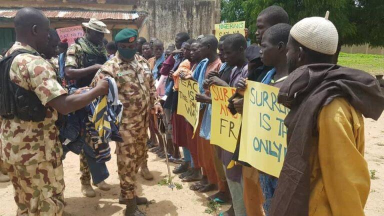Nigerian Army Donates Food Items To 'Surrendered' Boko Haram Terrorists [Photos] 1