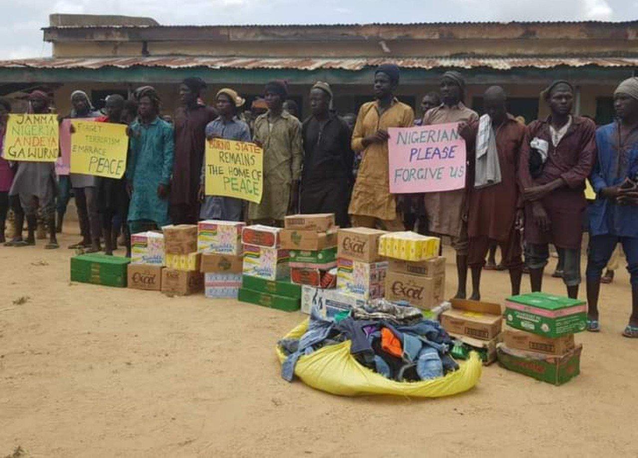 Nigerian Army Donates Food Items To 'Surrendered' Boko Haram Terrorists [Photos]