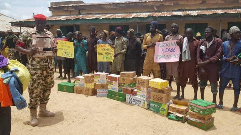 Nigerian Army Donates Food Items To 'Surrendered' Boko Haram Terrorists [Photos] 6