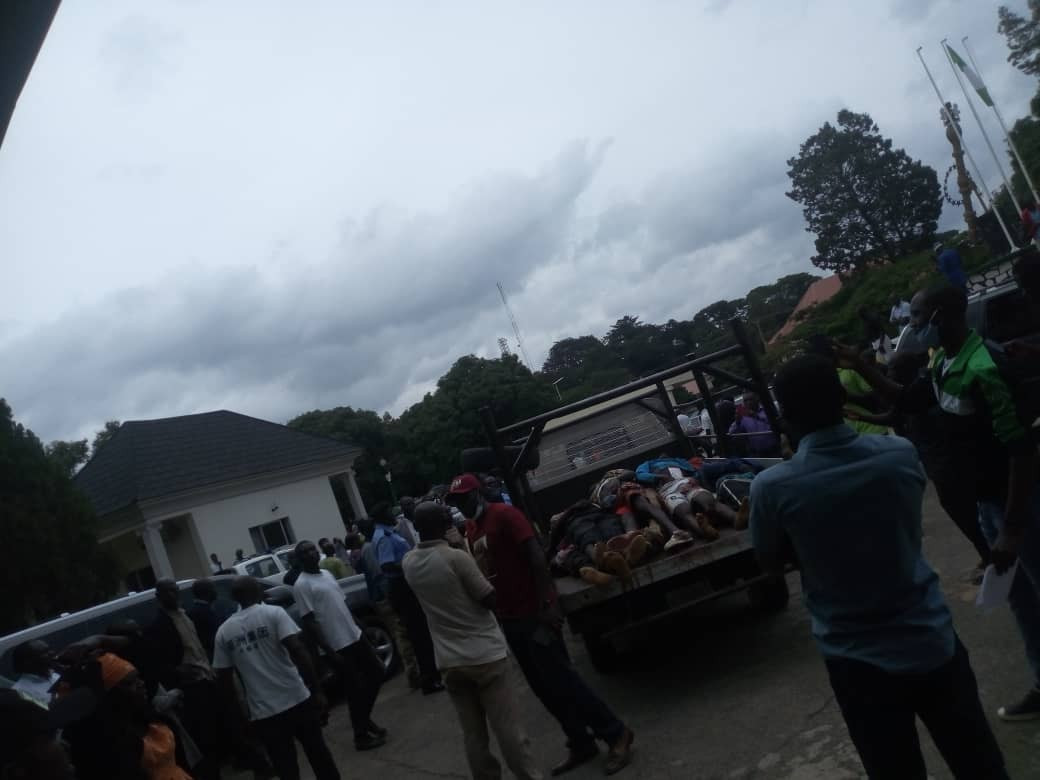 Youths Storm Plateau Assembly With Bodies Of Victims Killed By Fulani Militias [Photos] 1