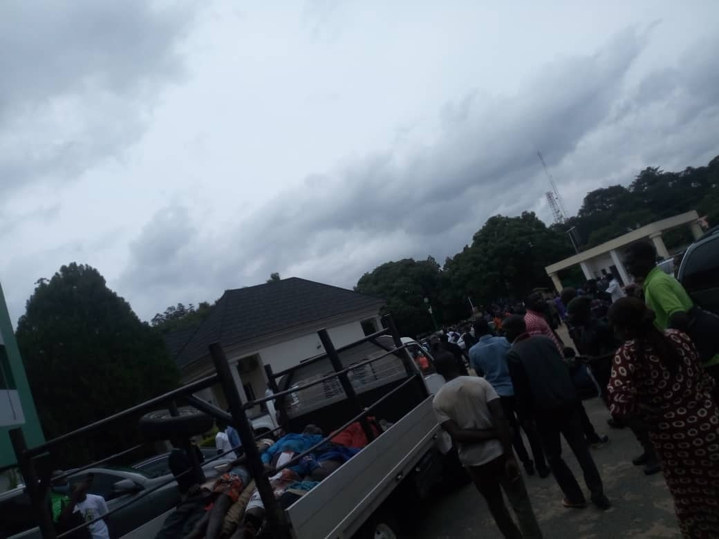 Youths Storm Plateau Assembly With Bodies Of Victims Killed By Fulani Militias [Photos] 2