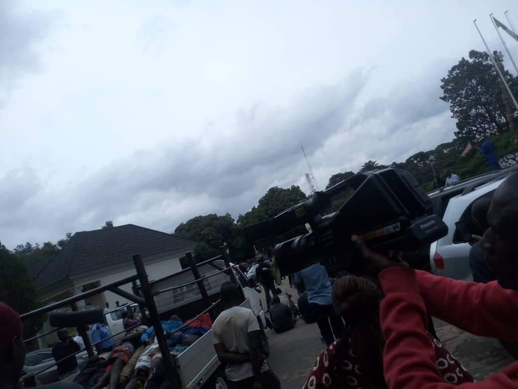 Youths Storm Plateau Assembly With Bodies Of Victims Killed By Fulani Militias [Photos] 6