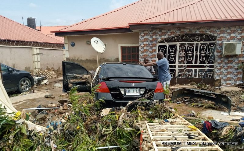 Four Dead, Others Missing As Flood Sweep 26 Vehicles, 166 Houses In Abuja [Photos] 8