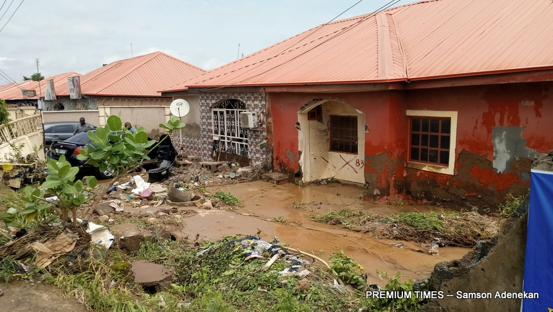 Four Dead, Others Missing As Flood Sweep 26 Vehicles, 166 Houses In Abuja [Photos]