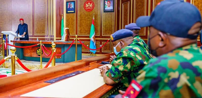 Governor Uzodinma Meets Nigerian Air Force, Wants 'Bad Eggs' Flushed Out From Imo