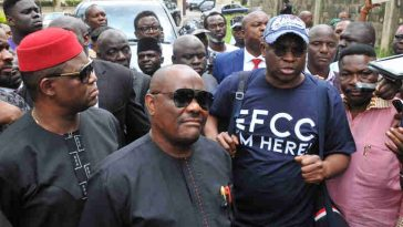 EFCC Raids Fayose's Residence In Search Of 'Atiku Election Money', PDP Reacts 3