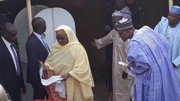 Watch The Moment President Buhari Checked To See Who His Wife Voted For [Video] 4