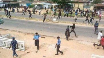 Heavy Shooting Near Amaechi's House As Thugs Snatch Ballot Box, Four Arrested 7