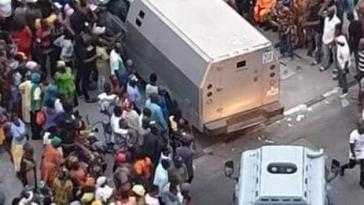 Tinubu Speaks On Viral Videos And Photos Of Bullion Vans Entering His Bourdillon Residence In Lagos 3