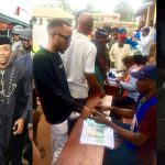Governor Obiano's Aide Caught Trying To Snatch Ballot Box In Anambra [Photos] 28