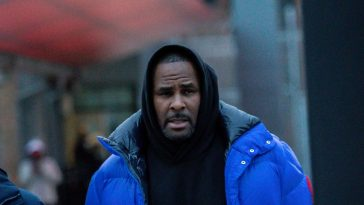 Woman Who Paid $100k To Bail R.Kelly Out Of Jail, Says He's Not A Monster 1