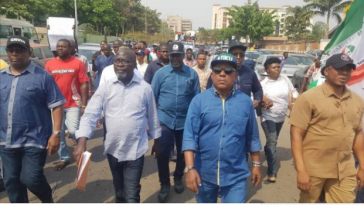 PDP Leaders Storms INEC Office To Protest Over Presidential Election [Photos] 7