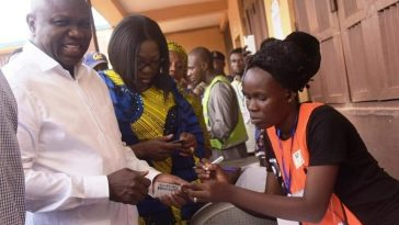 PHOTONEWS: Governor Ambode Delivers His Polling Unit To APC 1