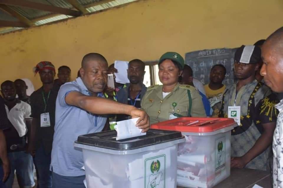 PHOTONEWS: PDP's Emeka Ihedioha Votes in Imo State. 1