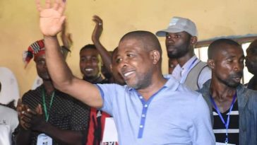 PHOTONEWS: PDP's Emeka Ihedioha Votes in Imo State. 3