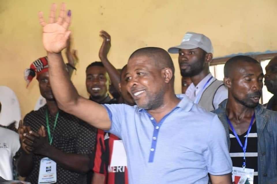 PHOTONEWS: PDP's Emeka Ihedioha Votes in Imo State. 3
