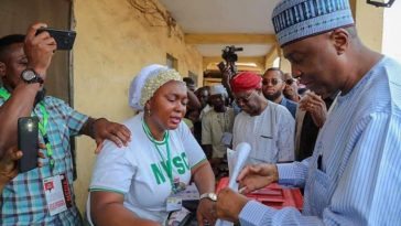 PHOTONEWS: Bukola Saraki Casts His Vote 2