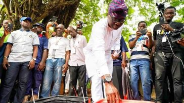 PHOTONEWS: Sanwo Olu Casts His Vote in Lagos state. 3